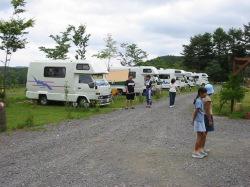 芝が快適なキャンプ場