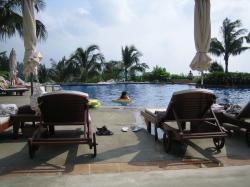 ブセナのプール